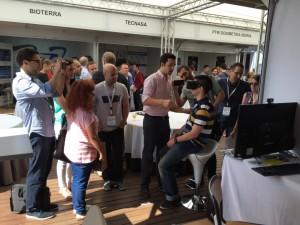 Gran animación en el stand de Elekta con la realidad virtual.